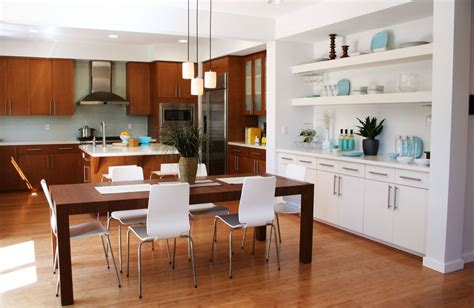 dining room kitchen ideas salon z kuchni艱 przestrze蜆 wype蛯niona 蝗wiat蛯em dom pl