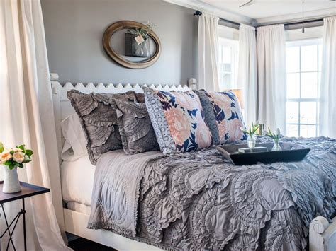 Joanna Gaines Master Bedroom Photos Hgtv S Fixer With Chip And Joanna Gaines Hgtv
