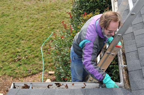 naturstein reinigen und versiegeln dachpfannen reinigen 187 so s 228 ubern sie ihr dach fachgerecht