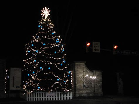 christmas in november tree lighting onward state