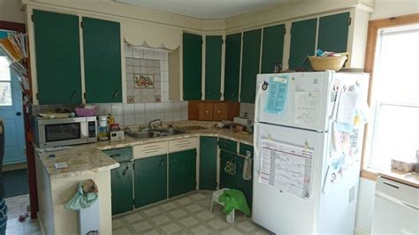 a quick fix for those ugly kitchen cabinets this was the ugliest kitchen contest 2 prestige kitchens pei