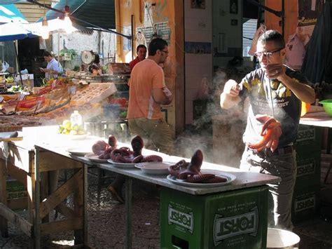 come si cucina il polpo bollito mercati storici di palermo e cibo di strada una guida tra