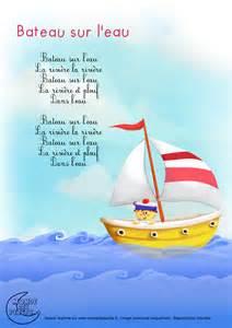 monde des petits bateau sur l eau