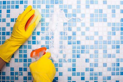los remedios mas practicos de como limpiar azulejos