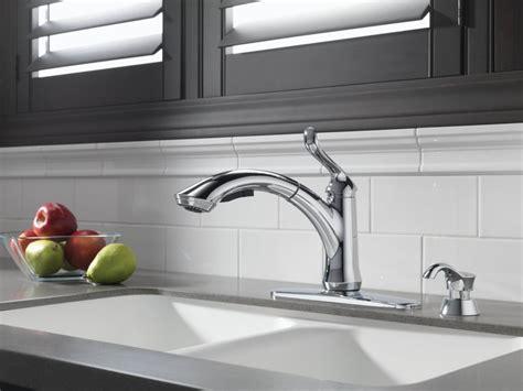 delta kitchen faucets the complete guide top reviews delta leland single handle deck mounted kitchen faucet
