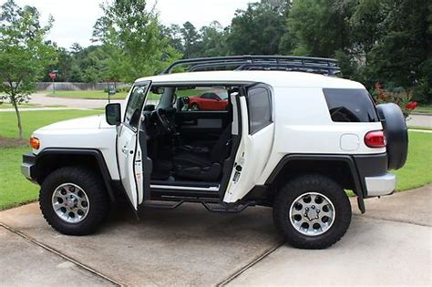 Toyota Fj Lift Kit Find Used 2012 Toyota Fj Cruiser Automatic 4x4 Loaded Lift