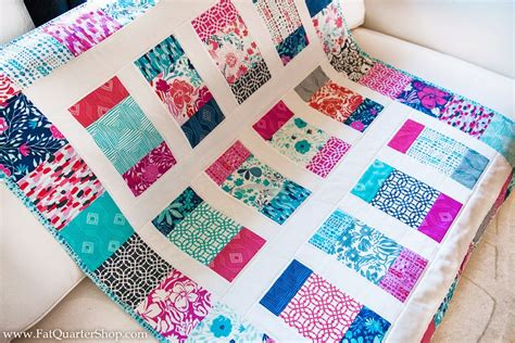 Quarter Baby Quilt Patterns Free by Quarter Shop S Jolly Jabber Charm Box Free Quilt