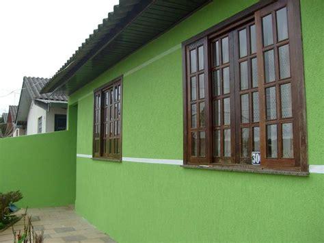 imagenes de casas verdes casa pintada de verde cores e tintas construdeia