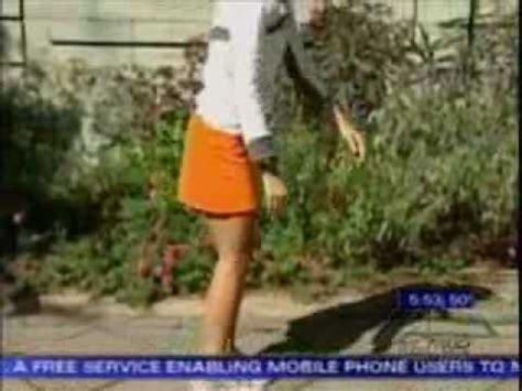 donne in minigonna al volante donne con le gonne