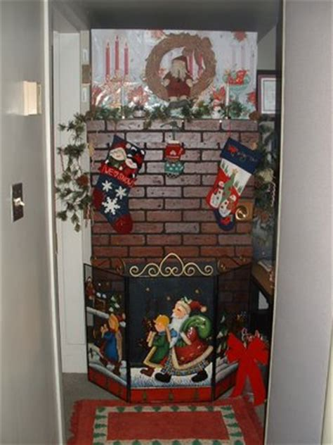 best christmas door decoration winners door decorating contest winners