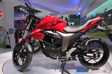 Suzuki Gixxer Pictures Seriously Suzuki Storms Auto Expo With Bikes