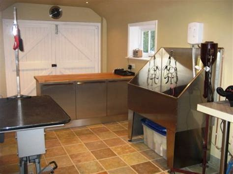 grooming room dallas best 25 indoor rooms ideas on boarding kennels for dogs indoor kennels and