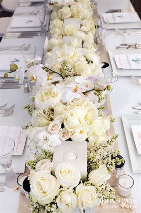 and white table centerpieces 25 best ideas about low wedding centerpieces on
