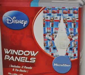 disney vorhänge neu kinder gardinen vorh 228 nge set disney pixar cars 2 ebay