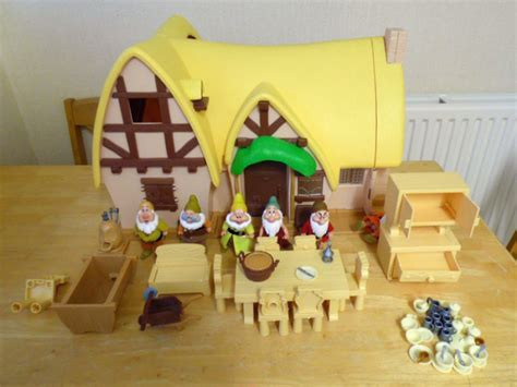 Snow White Cottage Playset by Vintage Retro Disney Snow White The Seven Dwarfs Large