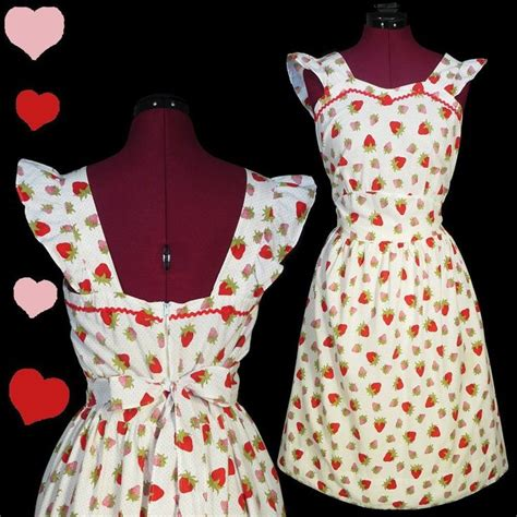 Pin Fashionable Strawberry vintage 40s 50s strawberry novelty print dress l swing