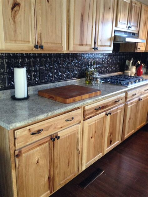 kitchen backsplash ideas with cabinets hickory cabinets with fasade backsplash decorating