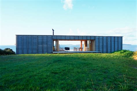 Home Nz Design Award Coromandel Bach Is A Protected Timber House In New