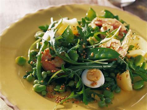 come cucinare uova di quaglia ricetta insalata di gamberi e uova di quaglia donna moderna