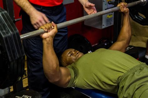 bench press 1000 pounds bench press 1000 lbs 28 images 1000 lbs bench press 28