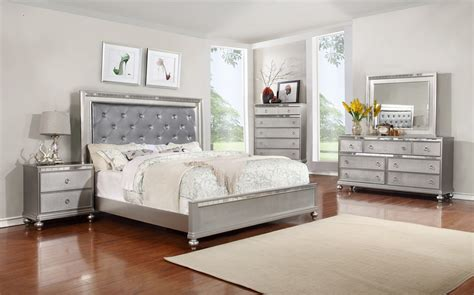Bedroom Sets by Furniture World 6 Pcs King Bedroom Set