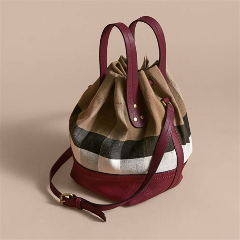 Handbag Burberry D4487 1 small canvas check and leather bag in burgundy