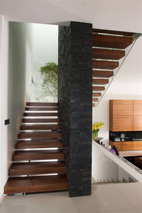 decoracion de pasillos de escaleras ideas im 225 genes y decoraci 243 n de hogares escaleras