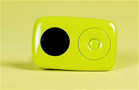 Zen Creatives Answer To The Shuffle Cheaper In Us by Three Of A Mp3 Players Best Inventions Of 2007 Time
