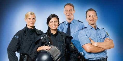 Bewerbung Ausbildung Polizei Sachsen Anhalt Polizei Sachsen Polizei Sachsen Polizist In Werden