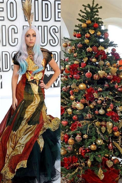 film natal rcti foto warna gaun lady gaga mirip cemara berhiaskan bola