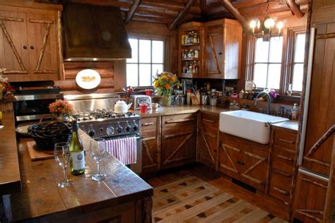 rustic cabin kitchen cabinets 304 best images about cabin interiors on pinterest