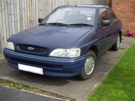 how things work cars 1994 ford escort regenerative braking file 1994 ford escort jpg wikipedia