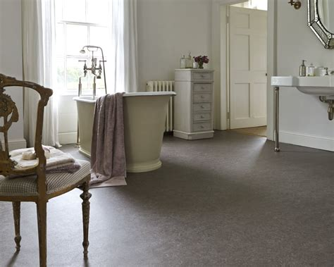 vinyl flooring bathroom ideas big and small bathroom ideas carpetright info centre