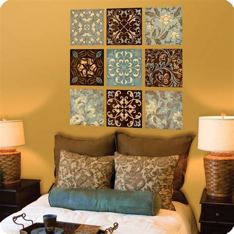 Decorating Bedroom Walls With Pictures by How To Decorate A Wall Lots Of Ideas Between Stencil And