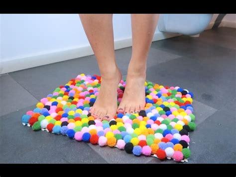 creare un tappeto come realizzare un tappeto di pompon