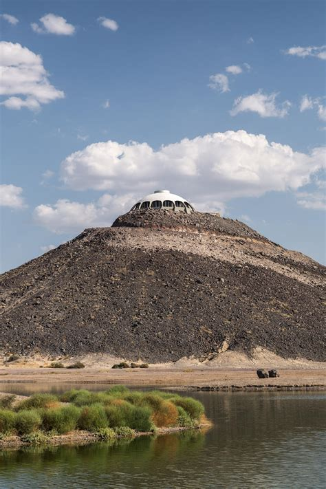 huell howser volcano house explore huell howser s volcano house gestalten