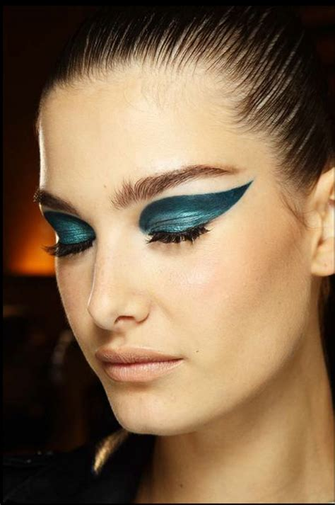 Makeup Versace pretty makeup looks at fall 2014 couture shows