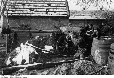 Gangsta Shi R T Mn german anti tank crew manning a pak 40 75 mm gun in