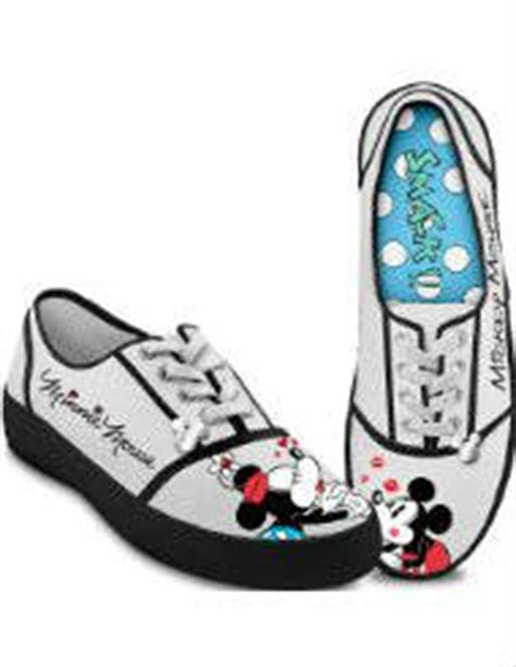 comfortable shoes for disney world what to pack for disney world and universal theme parks