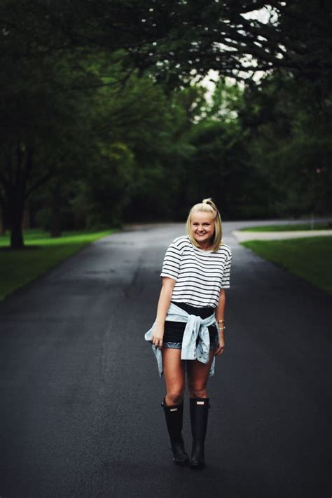 Simple T-shirt Outfits