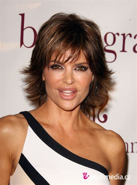 lisa rinna face shape lisa rinna short straight hairstyle 02 hair pinterest