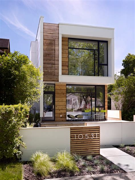 modern narrow house deceitfully small thin house looks small on the outside