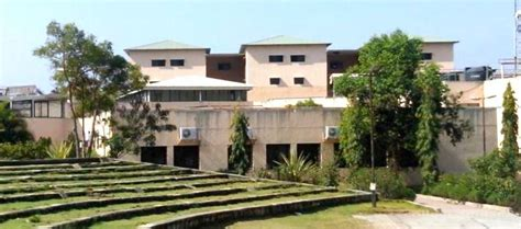 Isb Mba Fee Structure by Top 10 Mba Colleges In India
