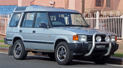 how to work on cars 1997 land rover defender auto manual service manual 1997 land rover range rover how to disable security system 1997 land rover