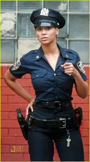 beyonce plays officer photo 1426041 beyonce