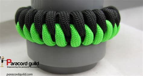 how to make a paracord bracelet with two colors how to make a sawtooth paracord bracelet paracord guild