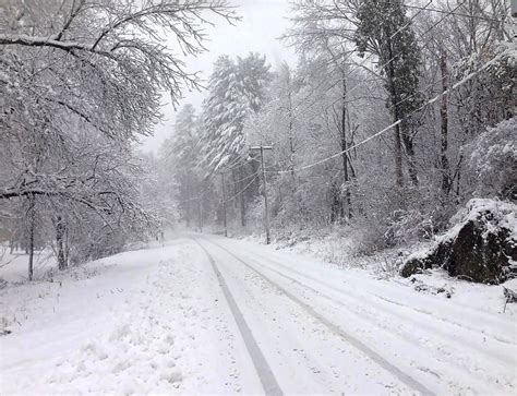 picture of snow maine snowstorm leaves thousands without power dumps two
