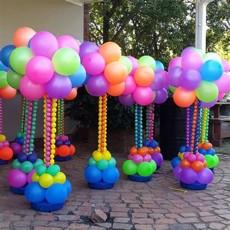 Balloon Decorations Ideas by 25 Best Ideas About Balloon Topiary On