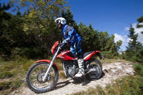 Beta Motorrad Test by Endurovergleich Gel 228 Ndebikes Beta Honda Yamaha Und