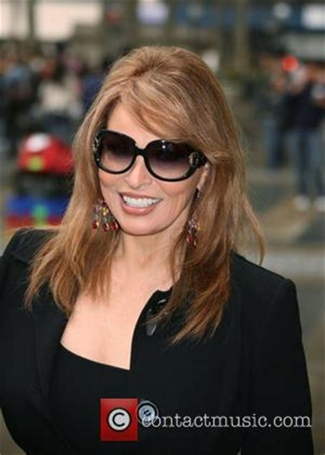 raquel welch on mae west raquel welch news photos and videos contactmusic